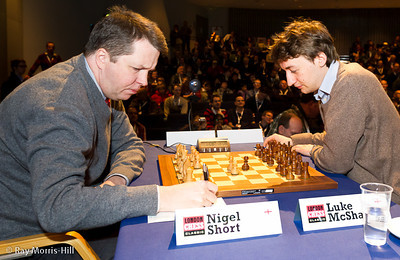 Round 7: Nigel Short plays the King's Gambit!