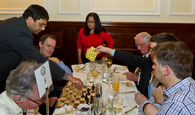 World Champion Vishy Anand takes on guests at Simpson's-in-the-Strand