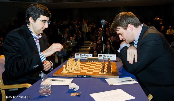 Round 8: Vladimir Kramnik vs Gawain Jones