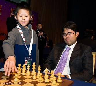 Hikaru Nakamura gets 1.e4 to start his game against Magnus Carlsen in Round 7