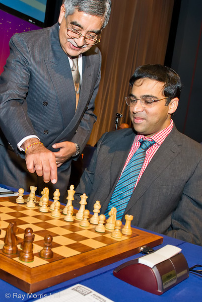 India's High Commissioner Mr. Nalin Surie makes Vishy's first  move 1.e4 at the start of round 1