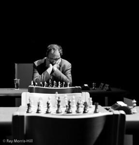 Boris Gelfand waits for his quarter-final opponent Fabiano Caruana