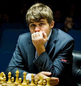 Nail biting stuff, Magnus Carlsen at the start of Round 12