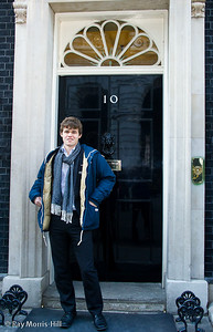 Magnus Carlsen outside No. 10 Downing Street