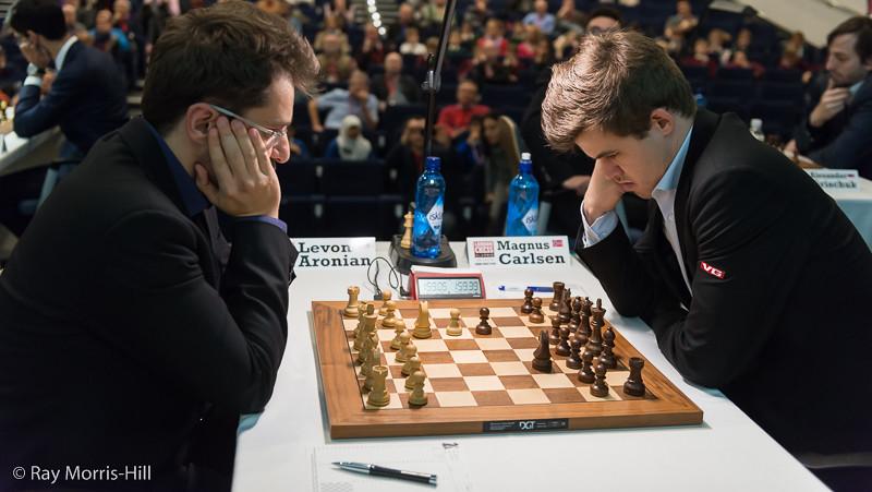 Round 5: Levon Aronian vs Magnus Carlsen