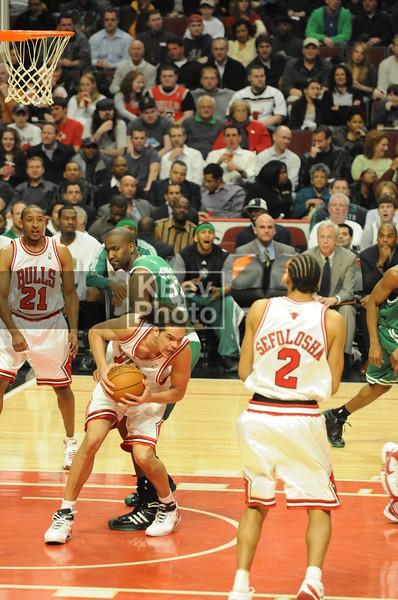 Noah gets the rebound
