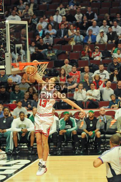 Noah on the dunk