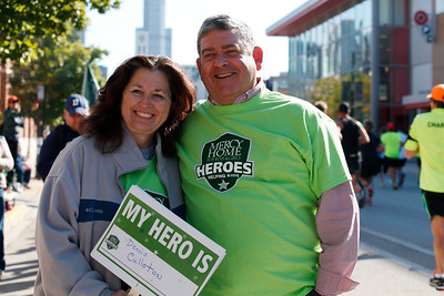 Mercy Home Heroes cheer station in front of Mercy Home at the Mercy Mile  on Jackson Blvd during the Chicago Marathon Sunday, October 9, 2016, Photo by John Konstantaras © 2016.  http://JohnKonPhoto.com