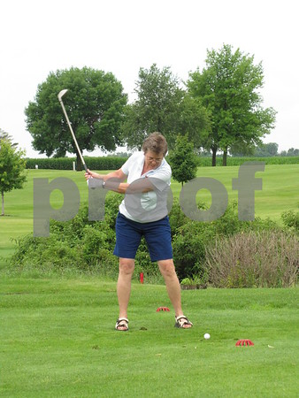 Lori Spanjers tees off at the first hole at Lakeside.