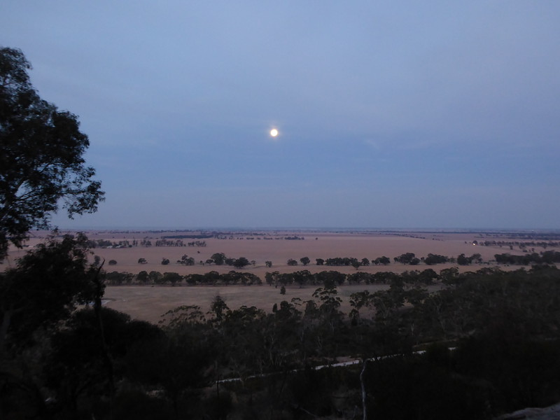 Full moon at Arapiles.