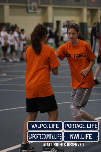Dollars for Scholars Girls 3 on 3 B-Ball Images (16)