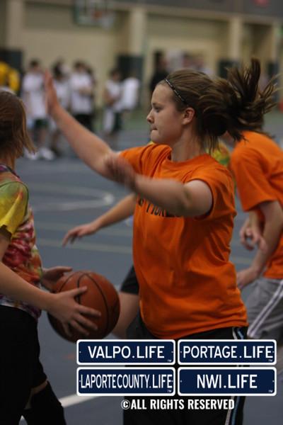 Dollars for Scholars Girls 3 on 3 B-Ball Images (23)