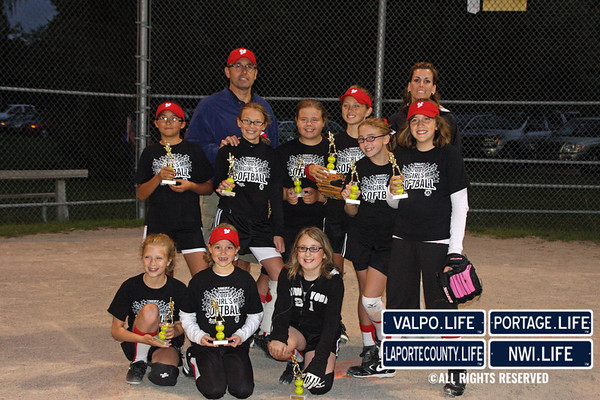 Girls Softball Black Team 9-10