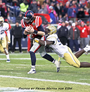NCAA Football 2013 - Music City Bowl Ole Miss vs. Georgia Tech