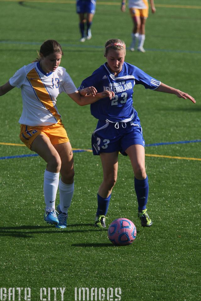 IMG4_35095 Emily C UNE Soccer
