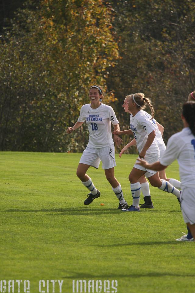 IMG4_34260 Margaret goal seq UNE Soccer