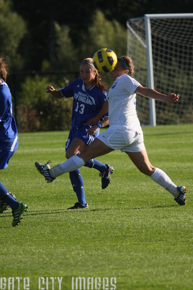 IMG4_32884 Emily L UNE Soccer