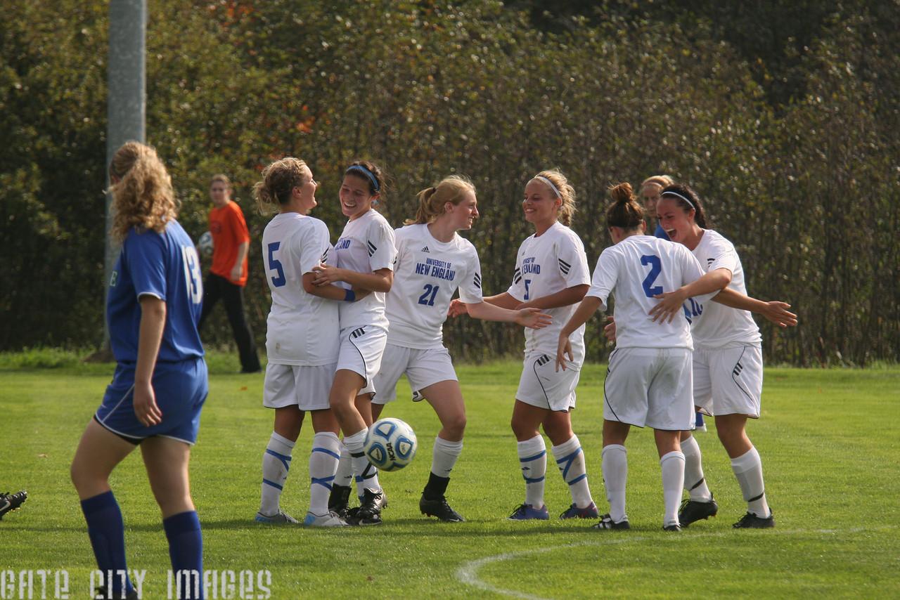 IMG4_34262 Margaret goal seq UNE Soccer