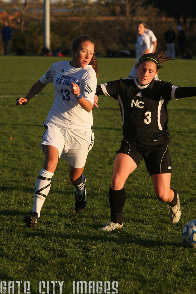IMG4_34676 Emily L UNE Soccer