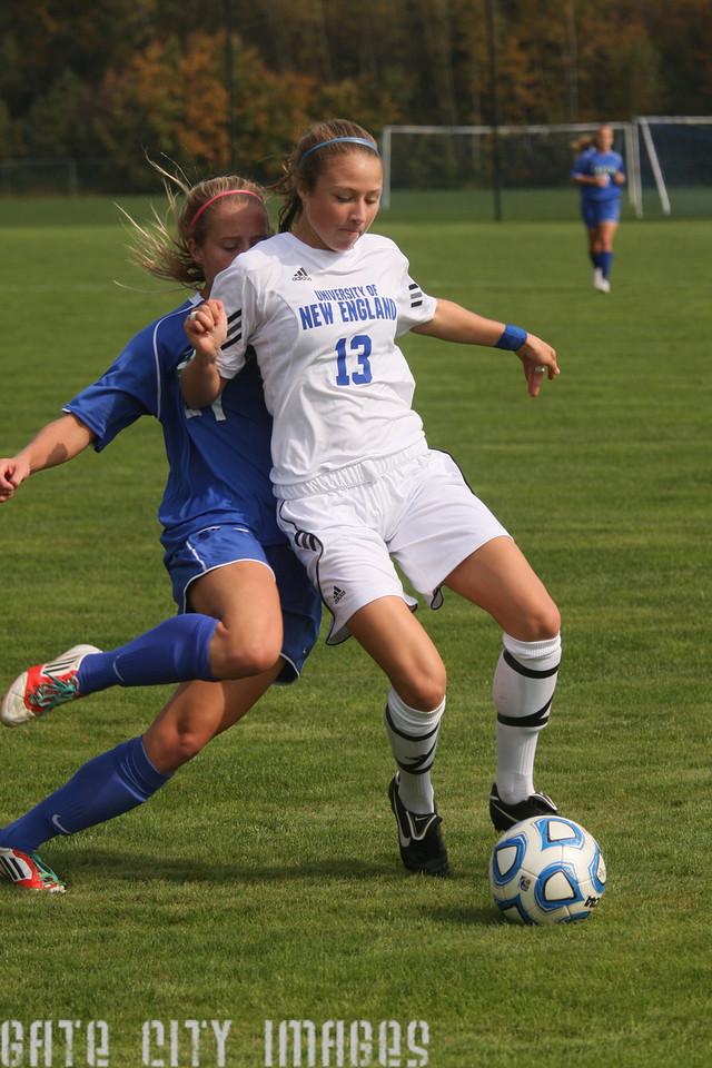 IMG4_34149 Emily L UNE Soccer