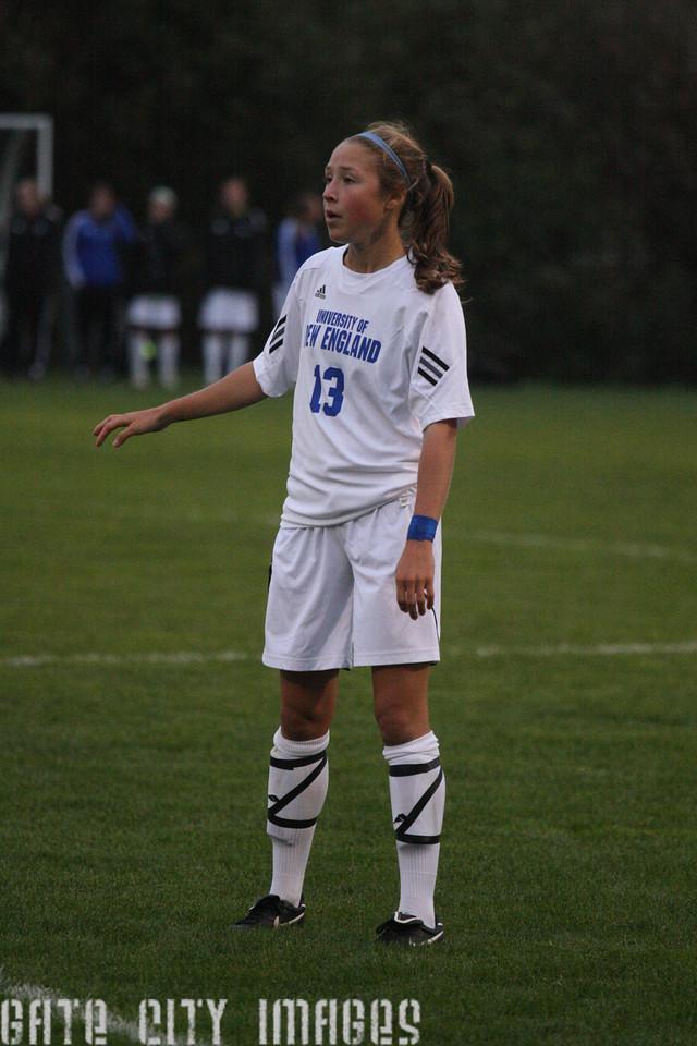 IMG4_33462 Emily L UNE Soccer