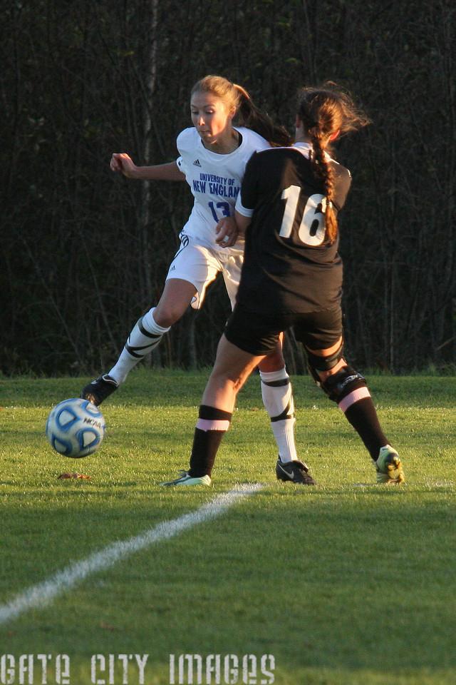IMG4_34691 Emily L UNE Soccer