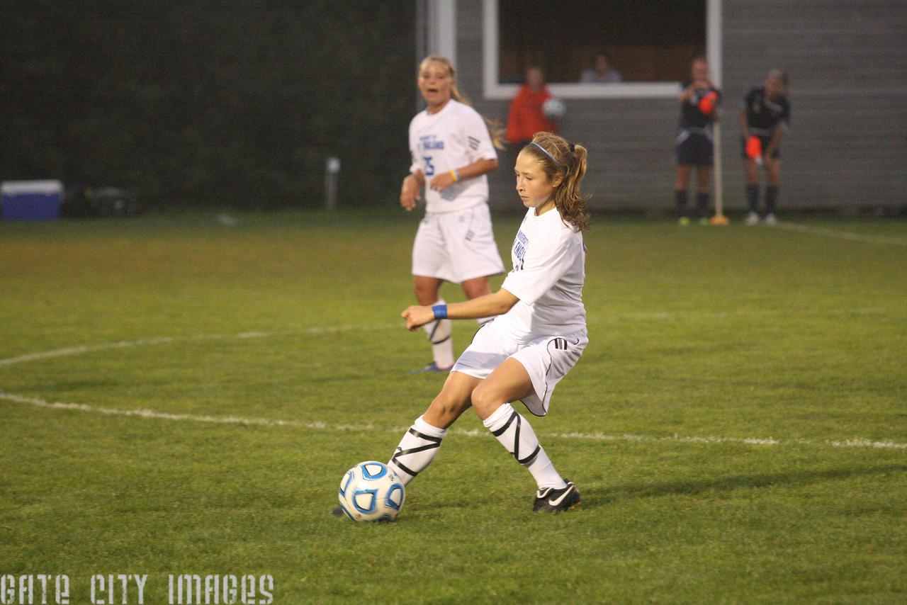 IMG4_33507 Emily L UNE Soccer