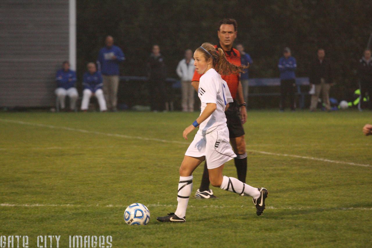 IMG4_33506 Emily L UNE Soccer