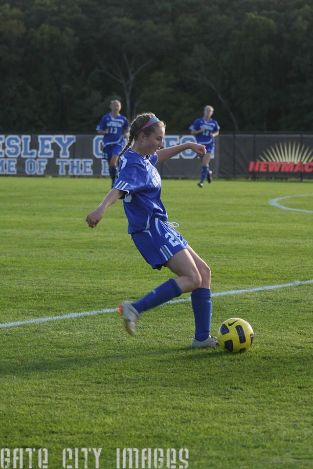 IMG4_32990 Emily C UNE Soccer