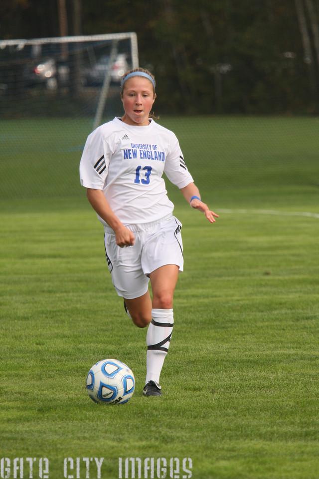 IMG4_34296 Emily L UNE Soccer