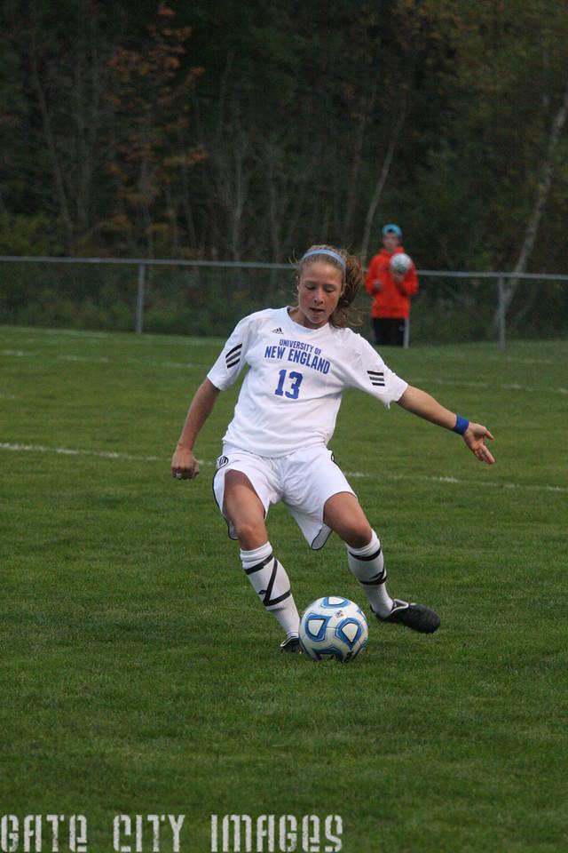 IMG4_33438 Emily L UNE Soccer