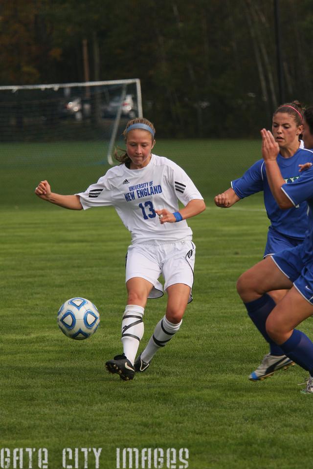 IMG4_34297 Emily L UNE Soccer