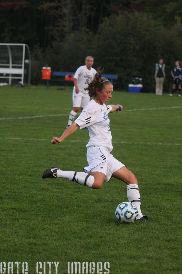 IMG4_33410 Emily L UNE Soccer