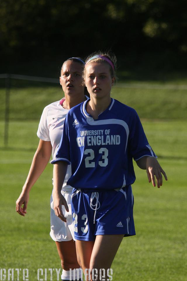 IMG4_32935 Emily C UNE Soccer