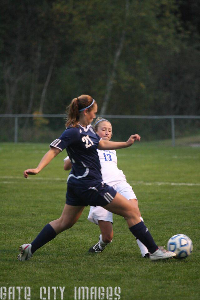 IMG4_33468 Emily L UNE Soccer