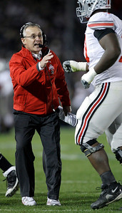 Ohio State head coach Jim Tressel shouts at Bryant Browning as he runs off the field during the second half of an NCAA college football game against Penn State in State College, Pa., Saturday, Nov. 7, 2009. Ohio State won 24-7.(AP Photo/Carolyn Kaster)