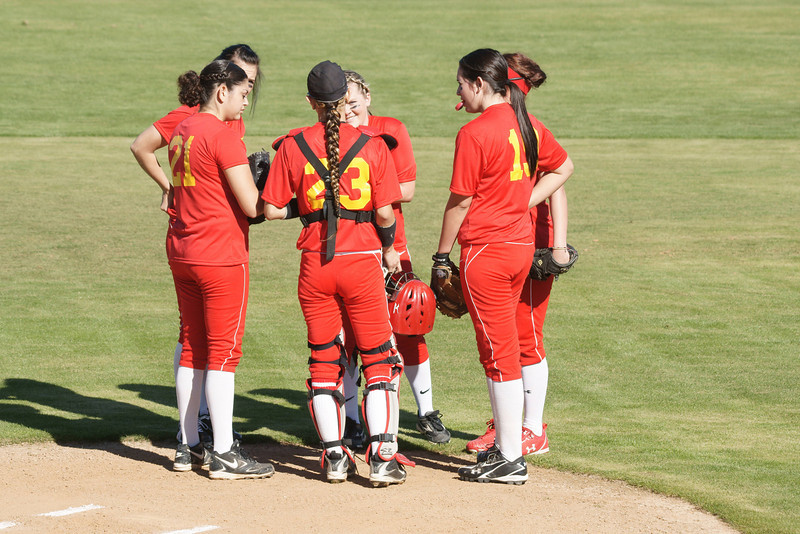 COD Roadrunners Girls Softball V Orange Coast 1 28 11
