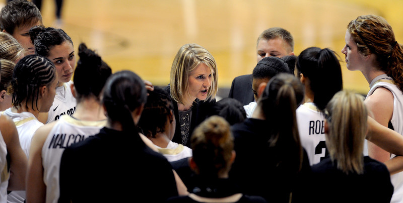 "CU coach Linda Lappe talks to the team in the Cal game.<br /> For more photos of the game, go to  <a href=""http://www.dailycamera.com"">http://www.dailycamera.com</a>.<br /> Cliff Grassmick / January 6, 2013"