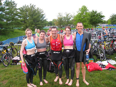 6:30am: T2B team photo just before the race began: Michele, Aimee, Ramon, Kelly, Peter