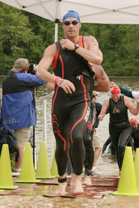 Ramon finishing the swim, showing us all how it's done - 0:25