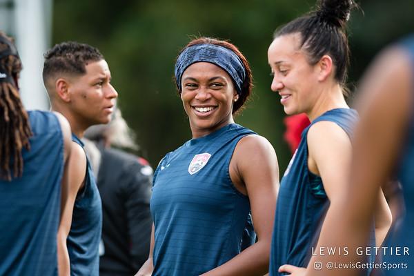 Trinidad & Tobago defender Liana Hinds (9)