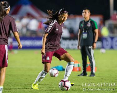 Mexico midfielder Nancy Antonio (6)