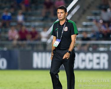Mexico head coach Roberto Medina