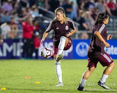 Mexico forward Katie Johnson (19)