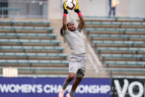 Panama goalkeeper Yenith Bailey (1)