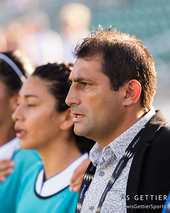 Panama head coach Victor Suarez