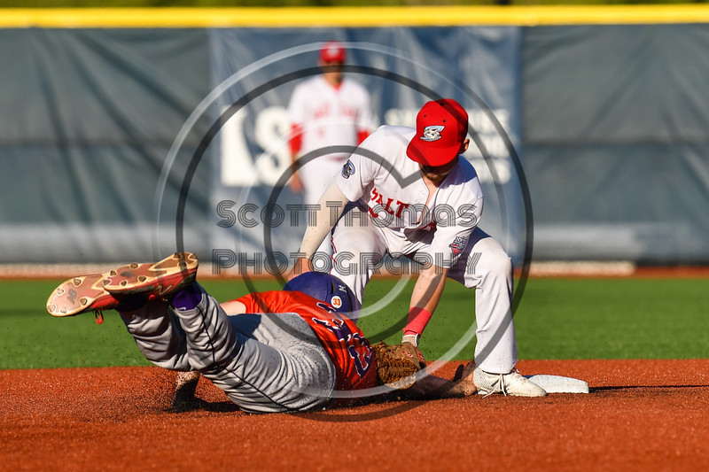 Syracuse Salt Cats Michael Gorman (3) tagged Cortland Crush Zach Kelley (33) out at 2nd Base at OCC Turf Field in Syracuse, New York on Thursday, June 21, 2018. Syracuse won 6-2.