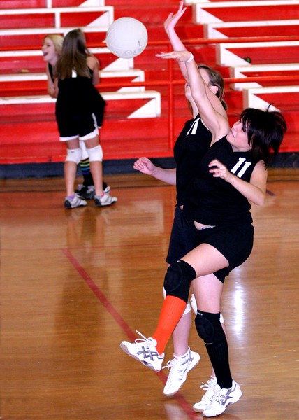 Copy of 7th-8th volleyball 138