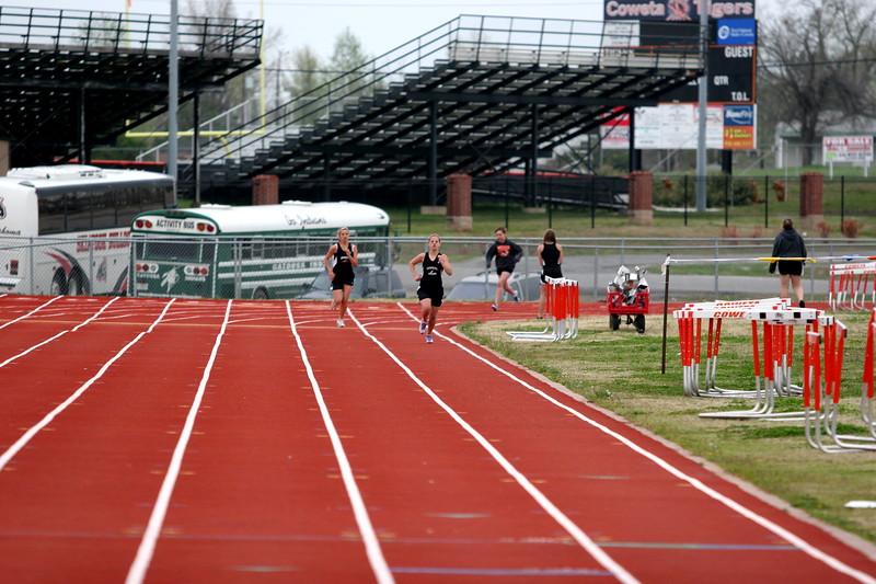 track s08 043