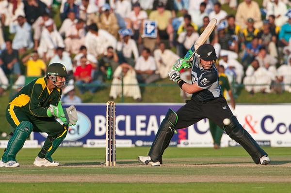 Cricket - Pakistan vs New Zealand - 2nd ODI, Abu Dhabi, 6/11/09